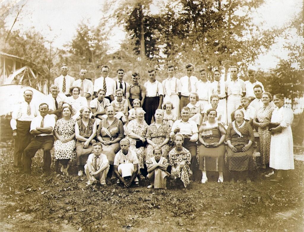 Sunday School Picnic at Knobels Grove 1937
