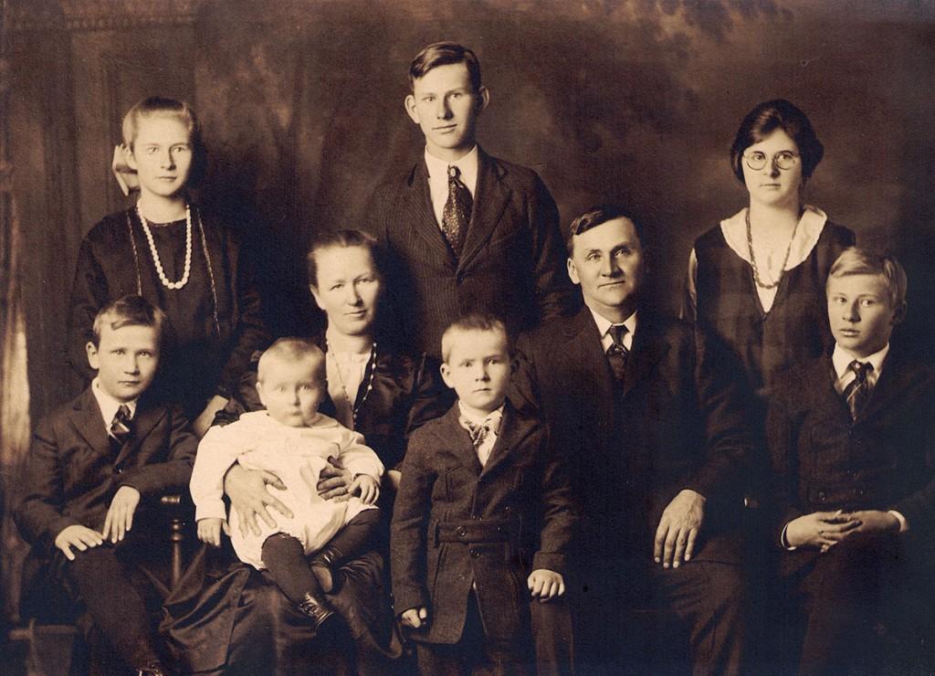 Percy Hagenbuch Family 1922