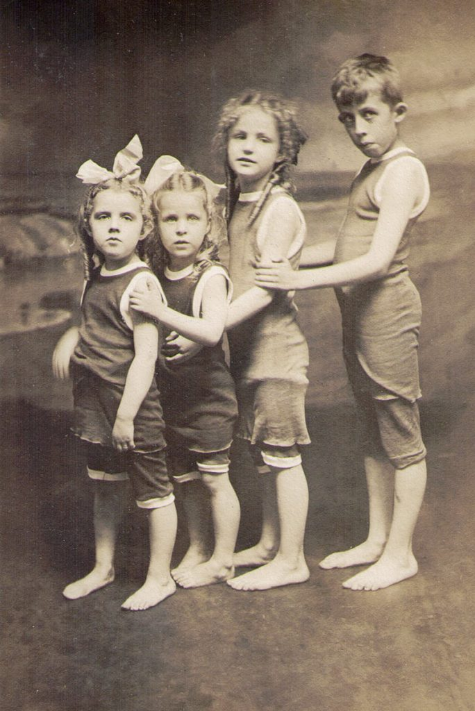 Mary Ann Reed, Ella Bibby, Ethel Bibby, Edgar Reed Jr. 1916