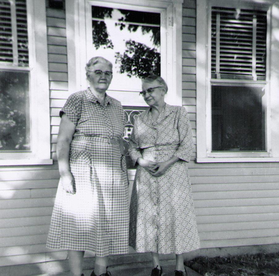 Minnie (Keefer) Hagenbuch and Kathryn (Hagenbuch) Roat Aug, 1957