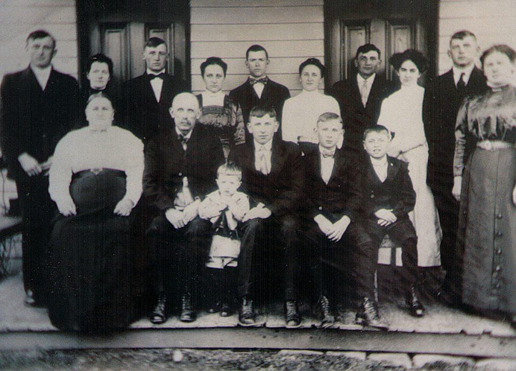 Abraham Gutshall Family, 1914