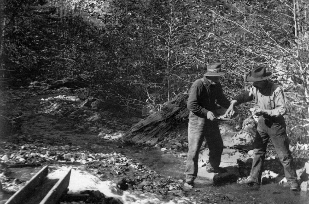 Men Klamath River Gold Panning
