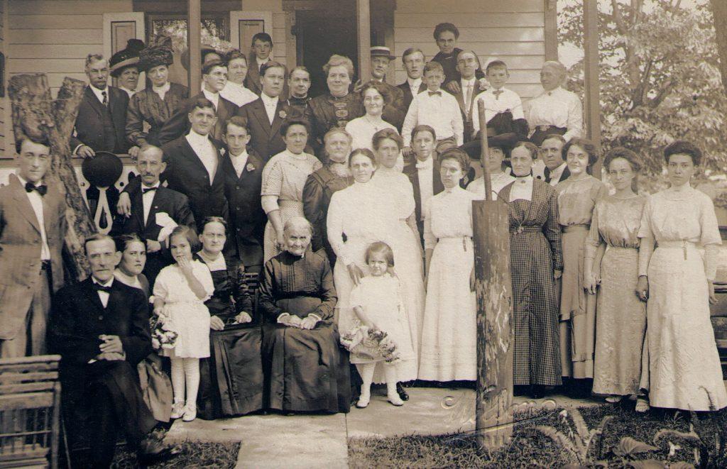 Lindner Reunion 1911 or 1916