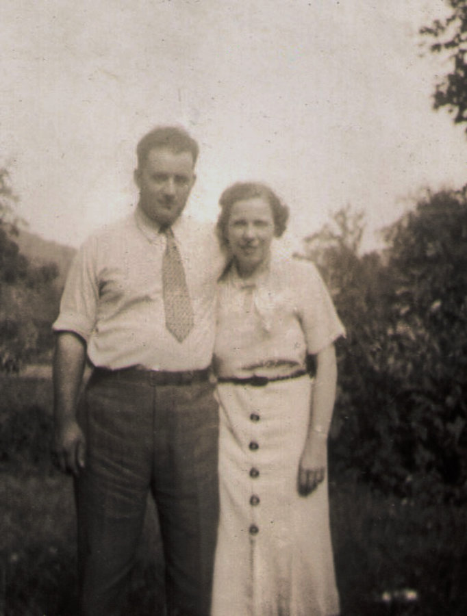 Paul and Lulu (Mast) Roat 1939