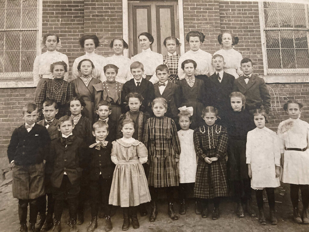 Limestoneville School Class Photo 1911