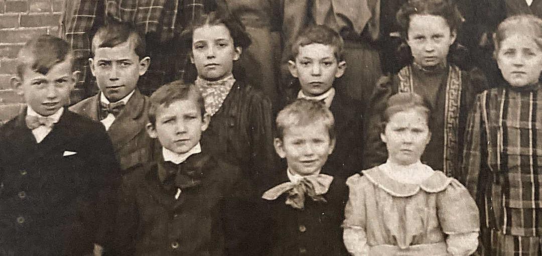 Limestoneville School Class Photo 1911 Detail