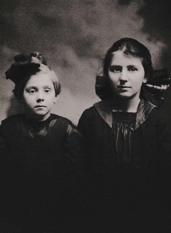 Lillian and Kathryn Hagenbuch