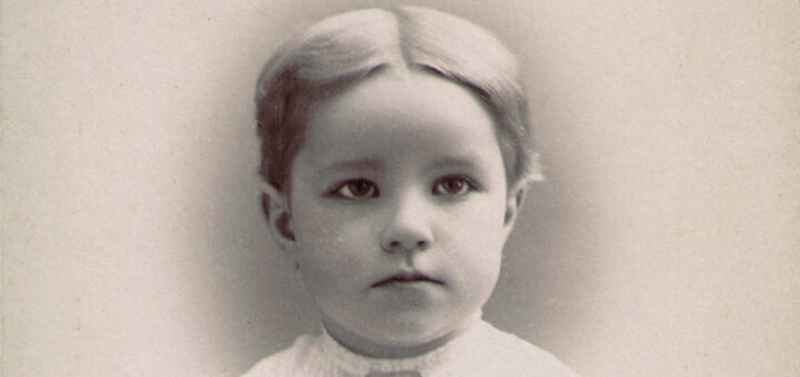 Margaret Englehart 1895 Detail